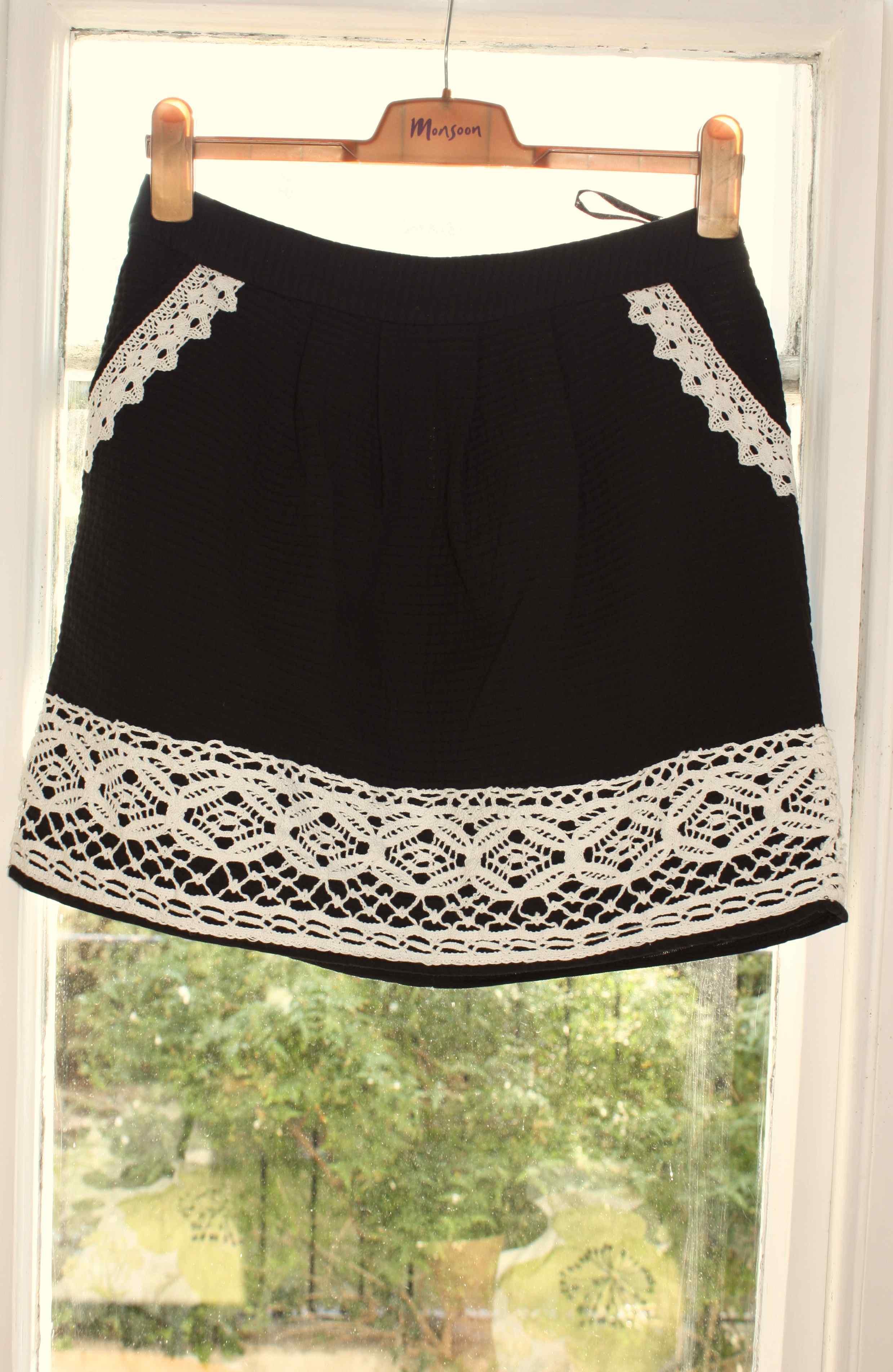 Monsoon black and white skirt