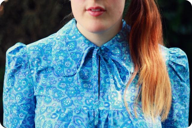Vintage paisley collar
