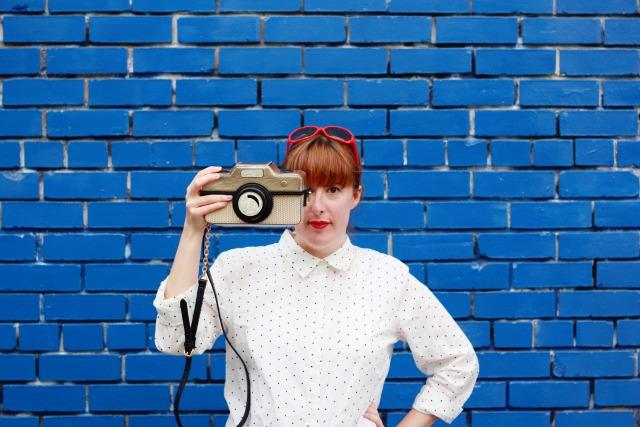 Accessorize camera bag and polka dot shirt1