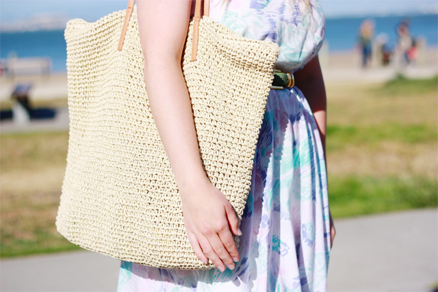 H and M woven beach tote